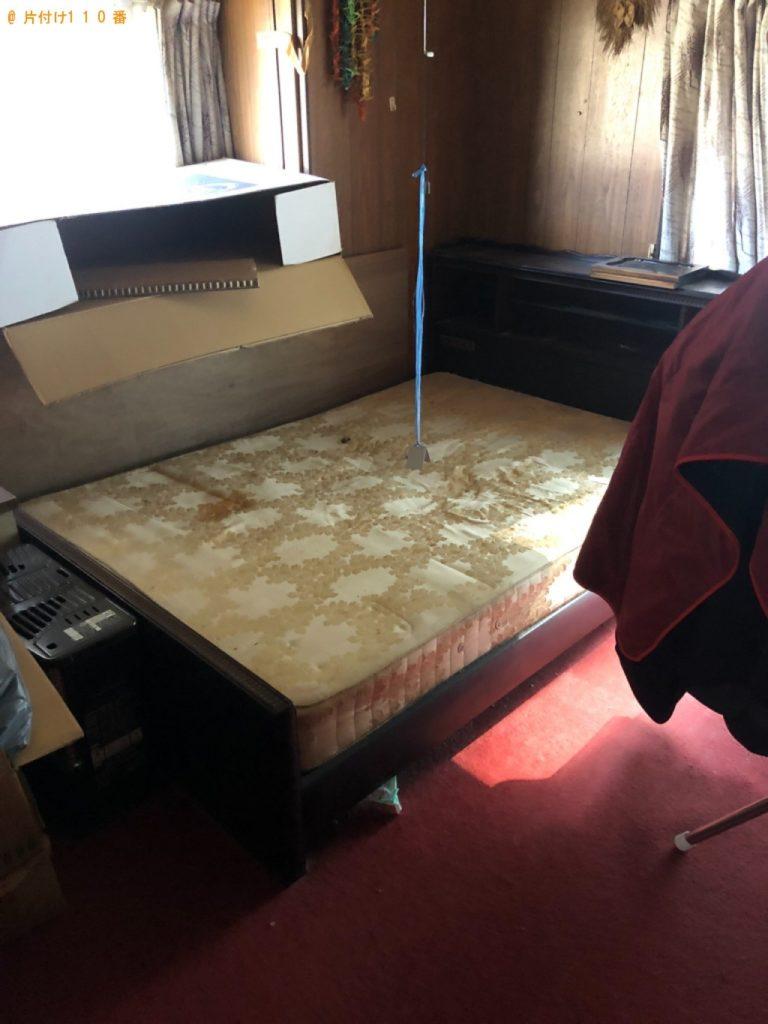 【小山市】遺品整理に伴いテレビ台、布団、マットレス付きダブルベッドの回収